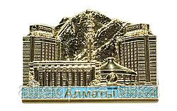 """Магнит на Тойбастар """"Алматы"""" позолоченный, 9 см"""