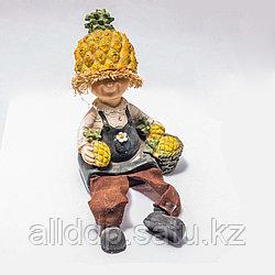 """Украшение для дома """"Мальчик с ананасами"""" (15 см)"""