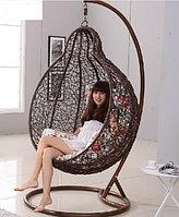 Кресло подвесное, плетеное, из искусственного ротанга, на ножке-стоянке, коричневое