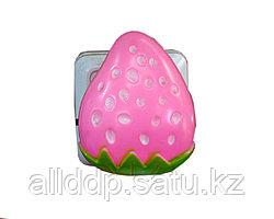 "LED ночник в розетку ""Клубника"", розовый"