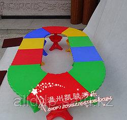 Пластиковый детский столик с секциями, 8 секций, Китай