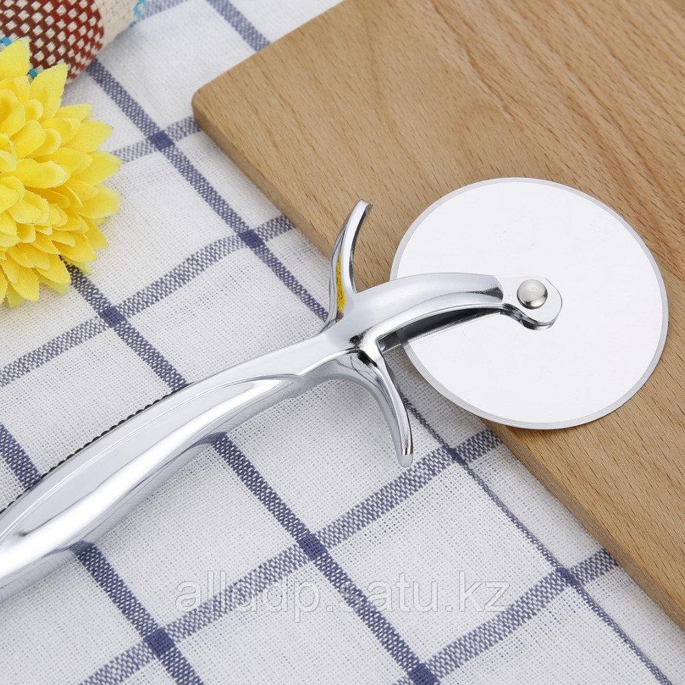 Нож для пиццы профессиональный (стальная рукоятка)