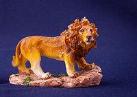 Лев, на подставке, h-8см, полистоун