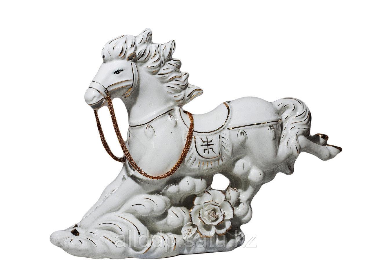 """Статуэтка """"Лошадь"""", белая (фарфор)"""