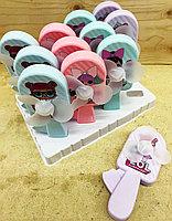8688-1A Ручной вентилятор Маленькие куклы 4 вида из 12 шт  цена за 1шт 16*6см