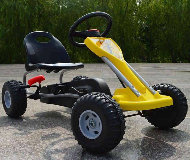 Детские педальные картинги и трактора