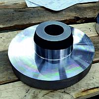 Поковка стальная круглая с конусом 18ХГ ГОСТ 7062-90 кованая на прессах