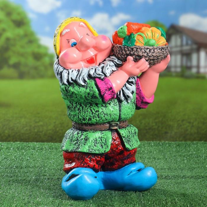 """Садовая фигура """"Гном с овощами"""", разноцветный, 37 см, микс"""