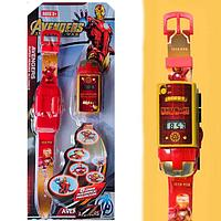 Набор детский браслет наручные часы на батарейках мини машинка световые эффекты мстители железный человек