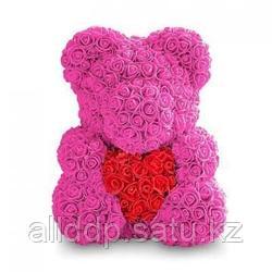 Мишка из роз в подарочной упаковке, ярко-розовый с красным сердцем