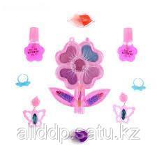 Набор косметики для девочки - Цветок: тени, аппликатор, 2 помады