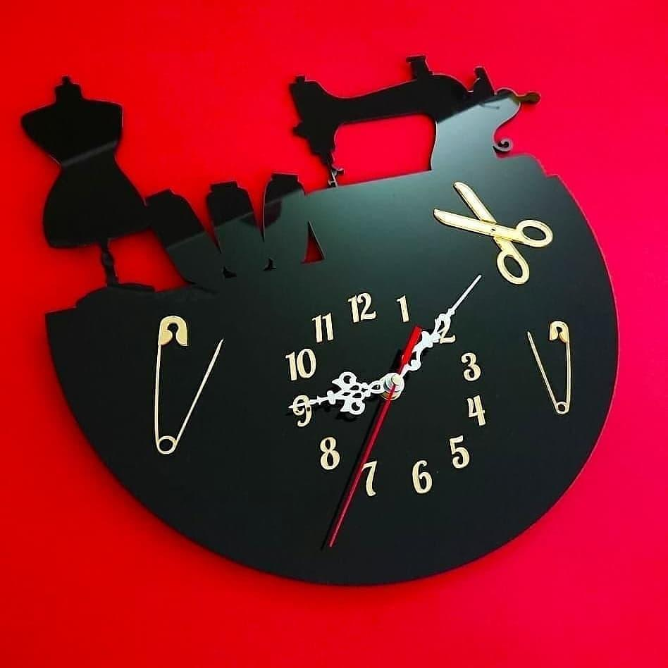 """Настенные часы """"Швея"""""""