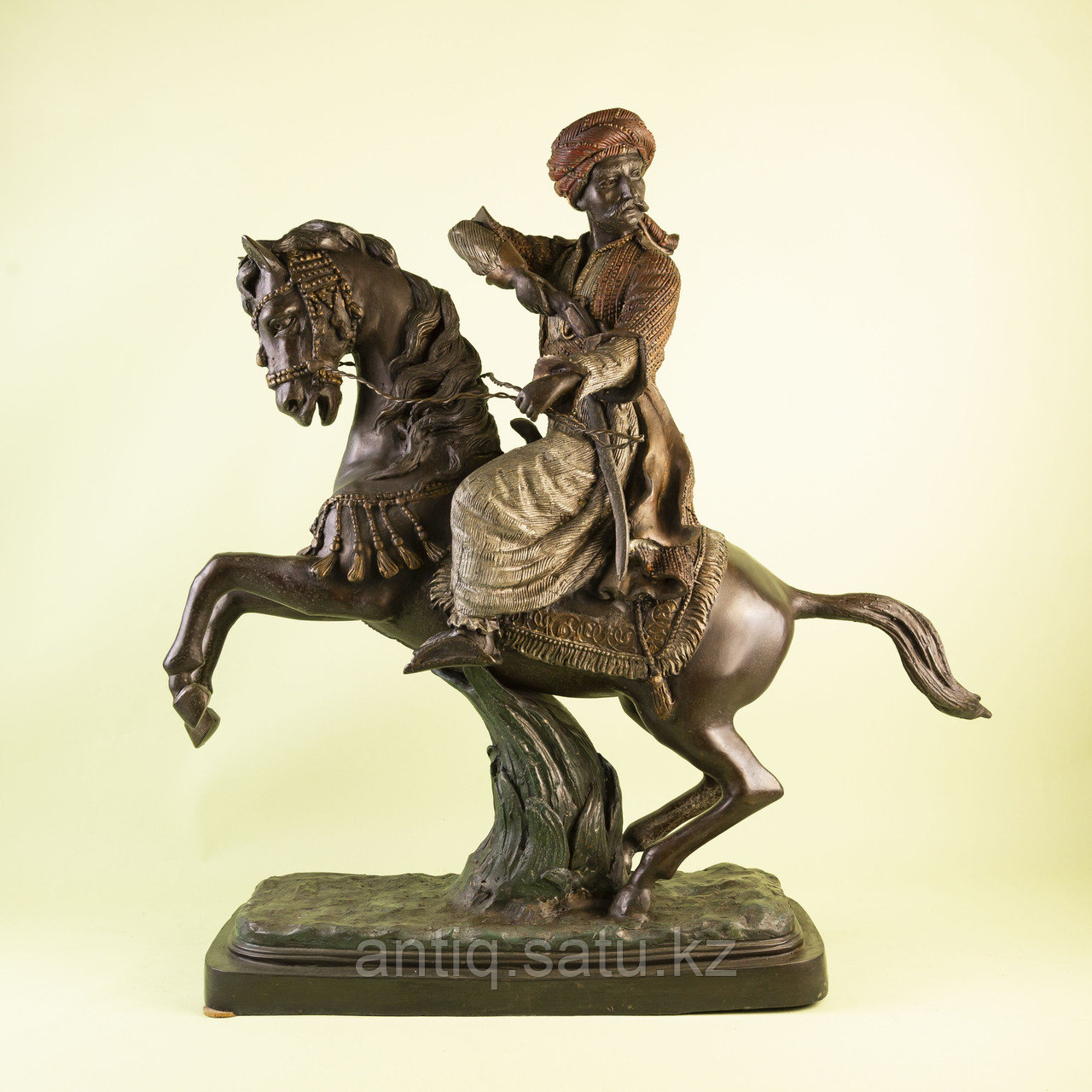 Кабинетная скульптура «Восточный воин» - фото 1