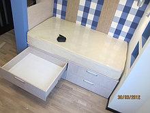 Кровать с ящиками и полками
