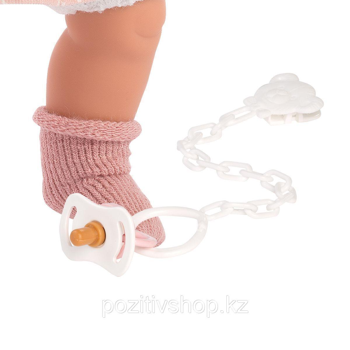 Кукла Llorens Лола 38см, брюнетка в белой курточке с капюшоном - фото 3