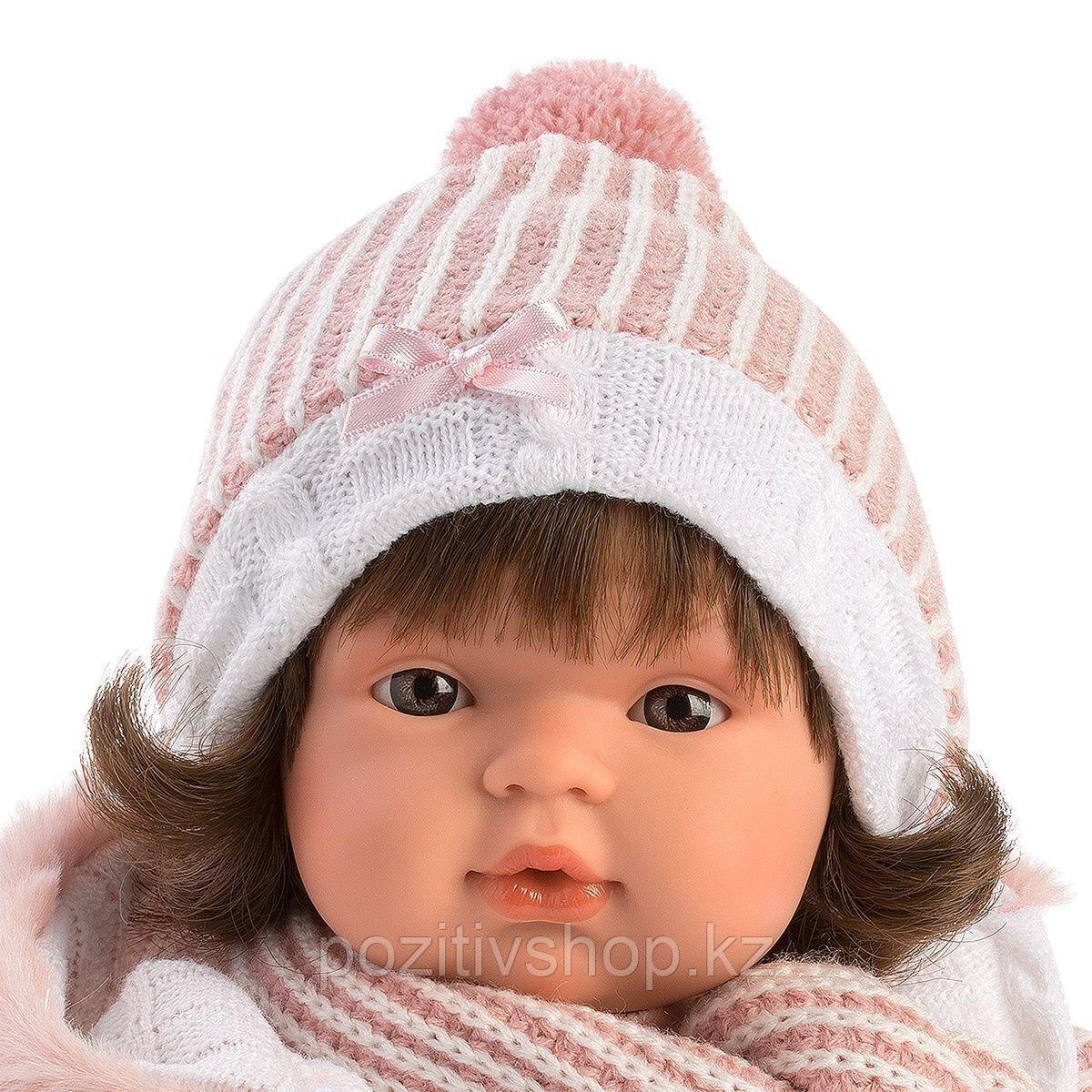 Кукла Llorens Лола 38см, брюнетка в белой курточке с капюшоном - фото 2