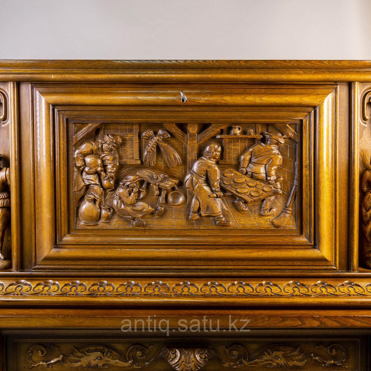 Комод в стиле Брейгель. Голландия- Бельгия. Середина 20 го века. Необычный резной бар-комод. - фото 7