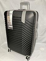 """Большой пластиковый дорожный чемодан на 4-х колесах""""DELONG"""". Высота 78 см, ширина 49 см, глубина 29 см., фото 1"""