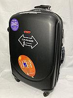 """Большой пластиковый дорожный чемодан на 4-х колесах""""Ambassador"""".Высота 79 см, ширина 49 см, глубина 28 см., фото 1"""