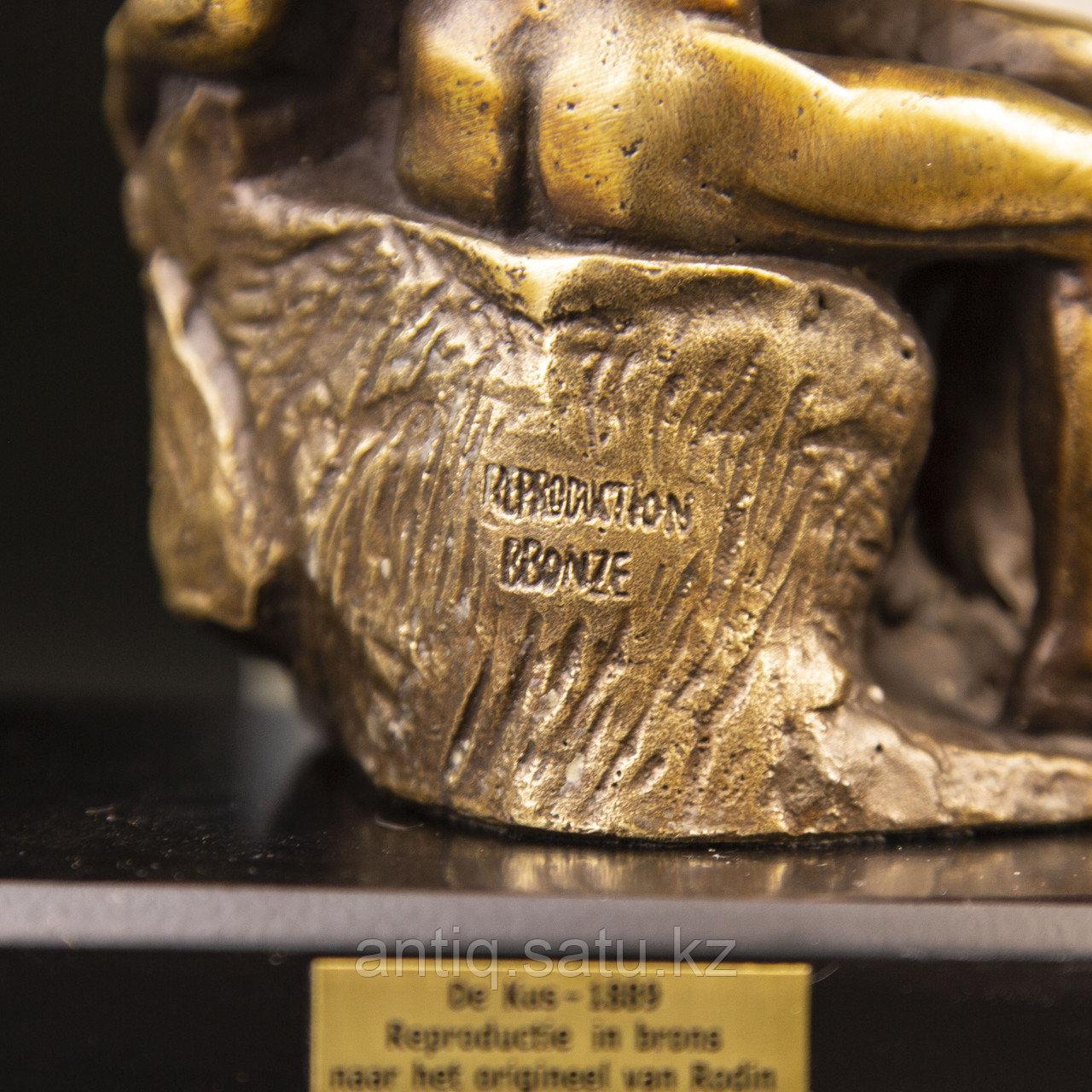 Коллекционная миниатюра «Поцелуй» По модели Огюста Родена Бронза, литье. Производитель Edition Atlas - фото 2