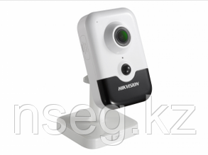 Видеокамера IP Hikvision DS-2CD2443G0-IW