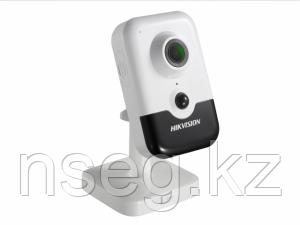 Видеокамера IP Hikvision DS-2CD2463G0-IW