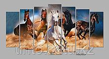 """Модульная картина """"Скачущие в песке кони"""""""
