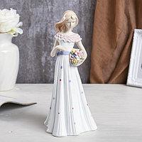 """Сувенир керамика """"Девушка в платье с бантом и воротом-рюшами, с цветами"""" 29х13,5х13,5 см"""