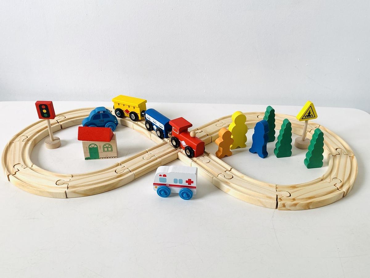 Деревянная железная дорога 33 детали