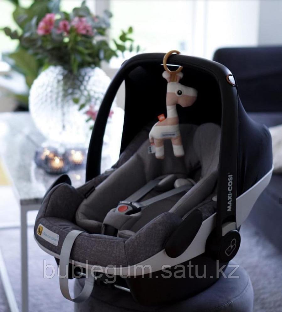 Maxi-Cosi  Удерживающее устройство для детей 0-13 кг Pebble Pro Essential