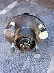 Ступица ВАЗ 2101 усиленная шплинтованная на прицеп под жигулевское колесо с болтами