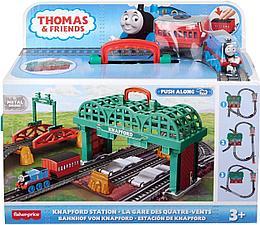 """Томас и друзья. Игровой набор """"Кнэпфордcкая железнодорожная станция"""" с моторизированным поездом"""