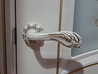 Ручка дверная Saneli модель №YT3487 на круглой основе Цвет- белый