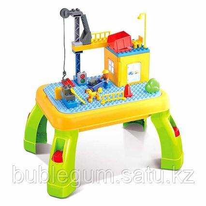 PITUSO  Стол для игры с конструктором, в комплекте с конструктором 42 элемента