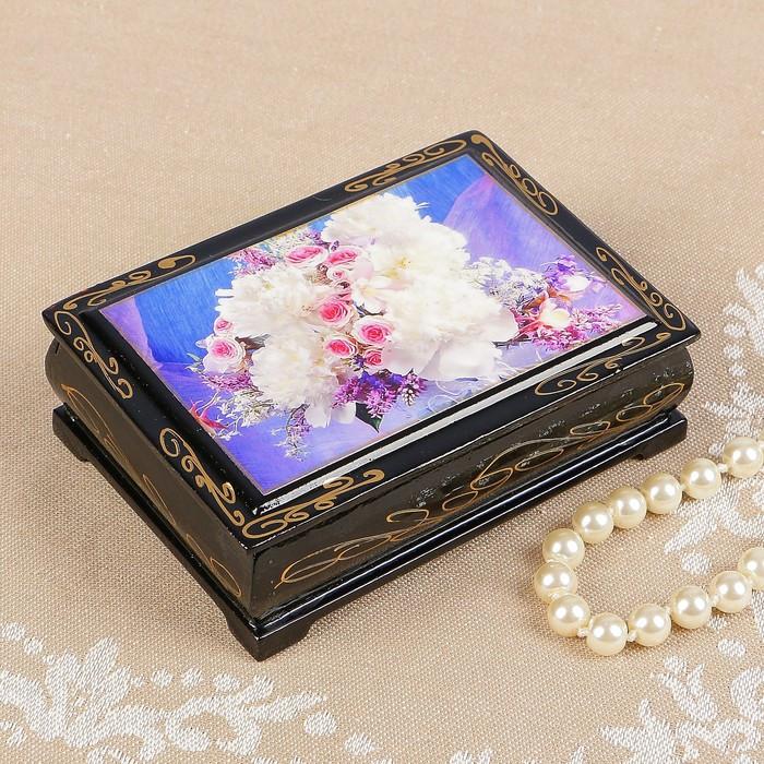 Шкатулка «Розы с белыми цветами», 8×10 см, лаковая миниатюра