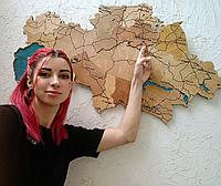 Карта Казахстана из дерева с Каспийским морем