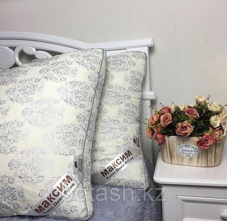 Подушка Максим