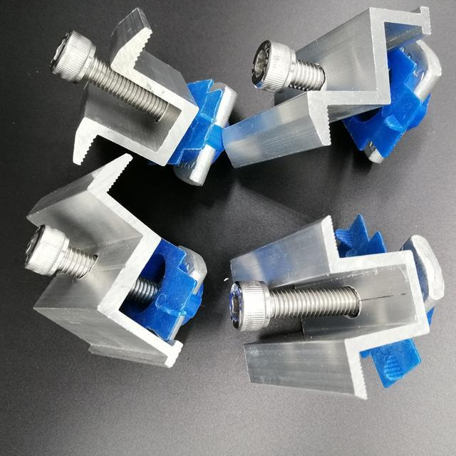 Прижим концевой крепления модулей в комплекте со спец-гайкой