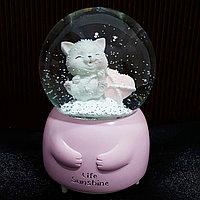 """Музыкальный снежный шар """"Котёнок с сердцем"""", 16см."""