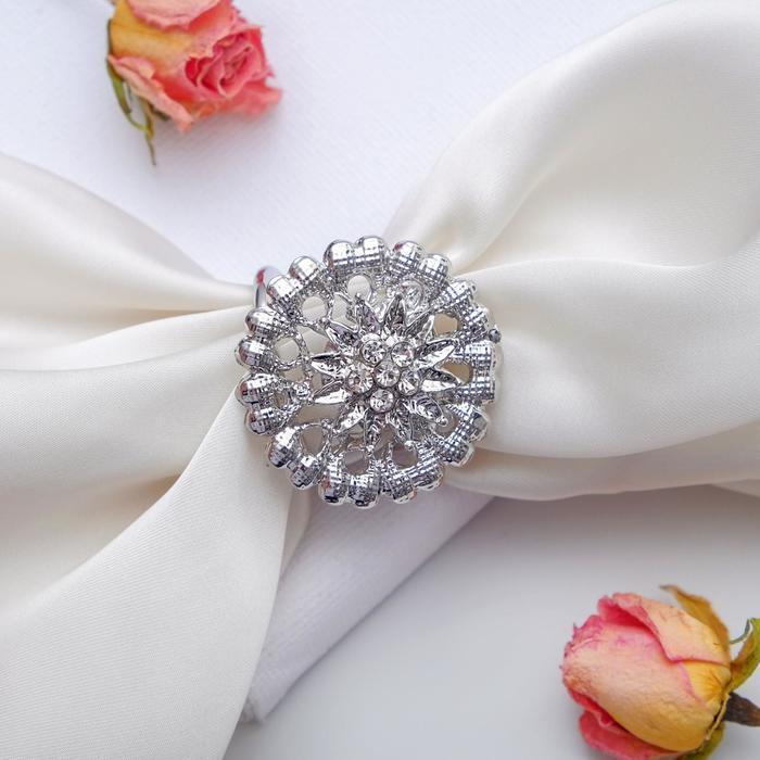 """Кольцо для платка """"Аромат"""", цвет белый в серебре"""