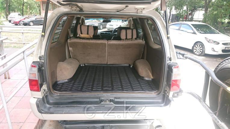 Коврик в багажник для Toyota Hilux Surf-185  (Toyota 4Runner) 1995-2002, фото 2