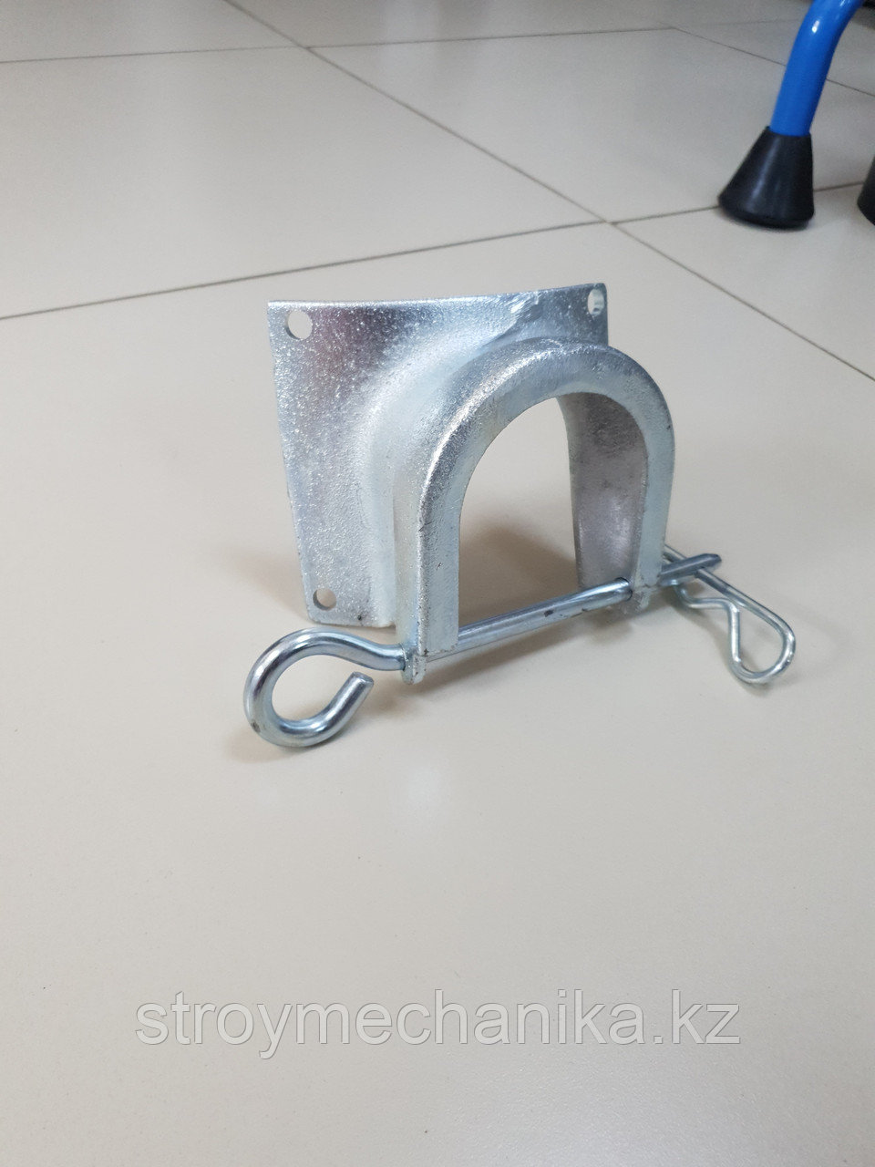 Маска ( адаптер ) гасителя для пневмонагнетателя д.65 мм.