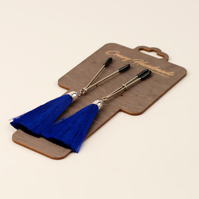 Зажимы-вилки на соски с кисточками из шелка, синие