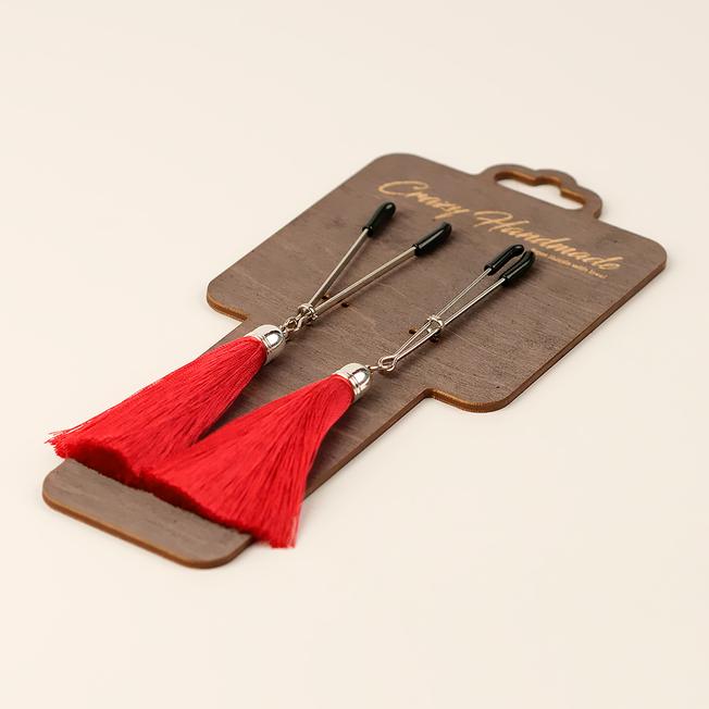 Зажимы-вилки на соски с кисточками из шелка, красные