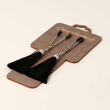 Зажимы-вилки на соски с кисточками из шелка, черные
