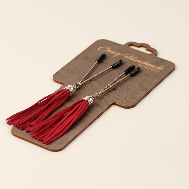 Зажимы-вилки на соски с кисточками из замши, красные