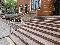 Ограждения из нержавеющей стали стойка из 50×50 квадрат, поручен из 51 трубы ригель горизонтально из16 трубы