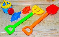 88098-8 песочный набор Sand&water в сетке(лопатка,грабли,лейка+2фигурки) 37*10см, фото 1