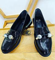 Туфли черные с аксессуаром изумрудных бусин, натуральная кожа
