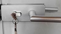 Замок с ручкой для цельностеклянных дверей ALT-5061S